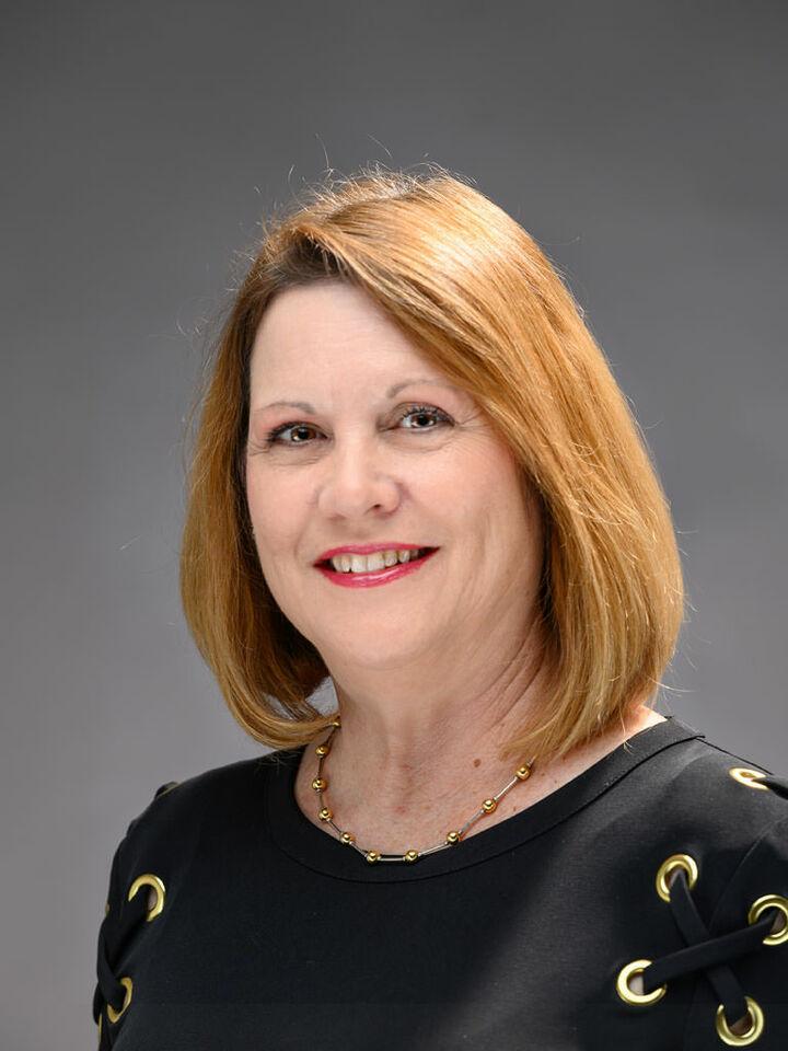 Cheryl Tsakis, REALTOR® in Waynesboro, Kline May Realty