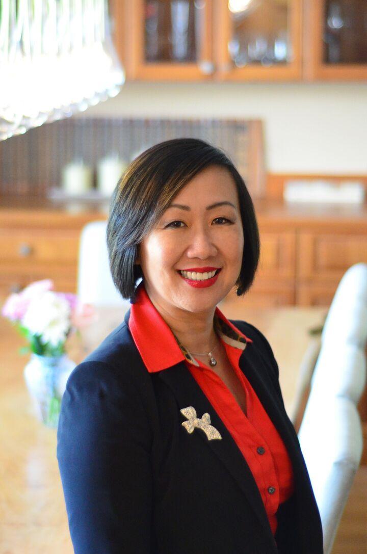 Debbie Lin, Managing Broker in Bellevue, Windermere