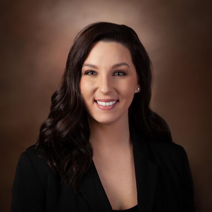 Vanessa Sarabia, Real Estate Broker - Realtor in Corvallis, Windermere
