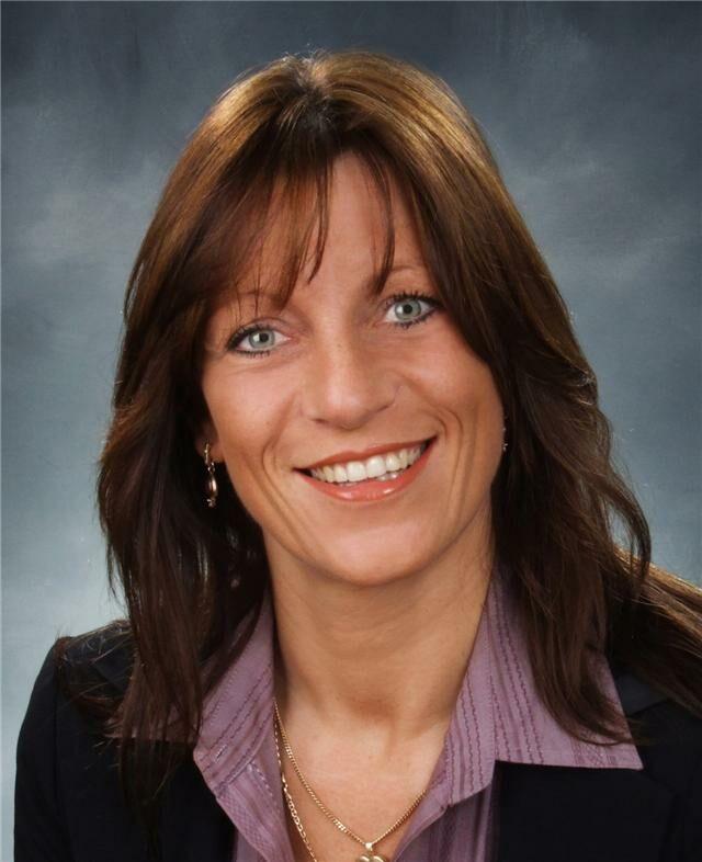 Karen Rayment, Sales Representative in Ajax, CENTURY 21 Canada