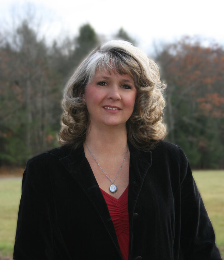 Norma Jayne, OPERATIONS MANAGER - NYS LICENSED REAL ESTATE SALESPERSON #10401340512 in Ithaca, Warren Real Estate