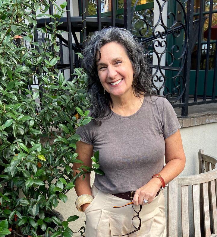 Laurie Bornstein, Real Estate Broker - Licensed in Oregon in Lake Oswego, Windermere