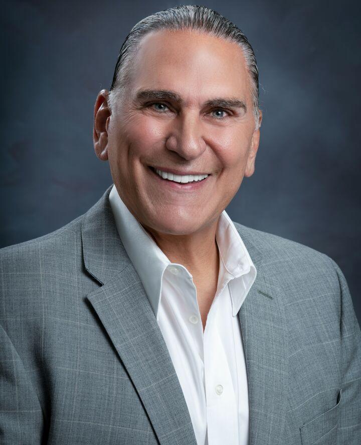 Matthew Dapolito,  in Los Altos, Intero Real Estate