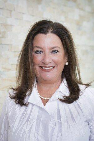 MaryBeth Frye, Sales Associate in Barrington, Mott & Chace Sotheby's International Realty
