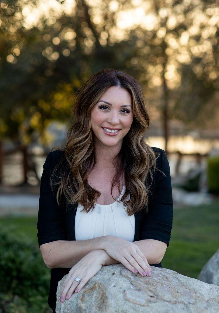 Rochelle N. Elliott, Realtor in Roseville, Better Homes and Gardens Reliance Partners