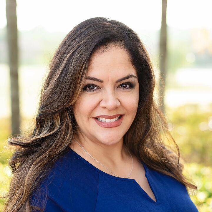 Jennifer Merchant,  in Dade City, Dennis Realty & Investment Corp.