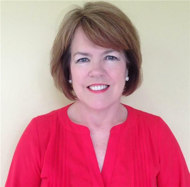Julianne Deely-Frost, Sales Associate in Fishers, BHHS Indiana Realty