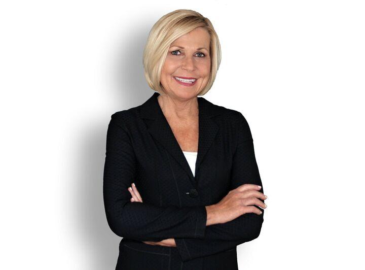 Susan D'Arcangelo,  in Folsom, Intero Real Estate