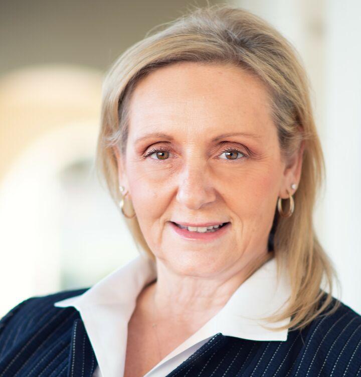 Elizabeth Pelley, REALTOR® in Carmel-By-The-Sea, David Lyng Real Estate